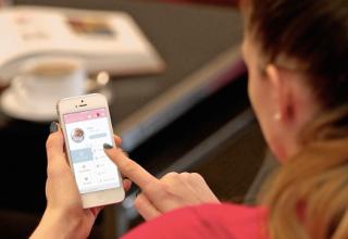 Gouzi – Ein Beispiel von mobilem Content Marketing (Evian)